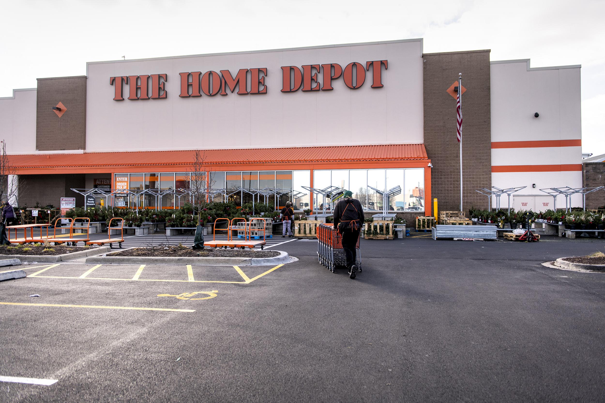 https www nbcnews com news us news ceiling fans sold home depot recalled after blades detach n1252425