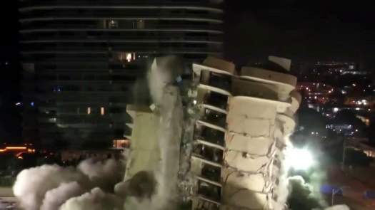Search efforts for 117 missing residents resume after Miami condo building is demolished 2
