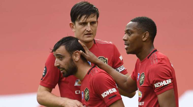 Goal - 5: 2 - 59 'Fernandes B., Manchester United. A free kick is awarded at the corner of the penalty area. Bruno Fernandes (Manchester United) performs great! Spun the ball exactly in the left corner of the goal. Unstoppable blow!
