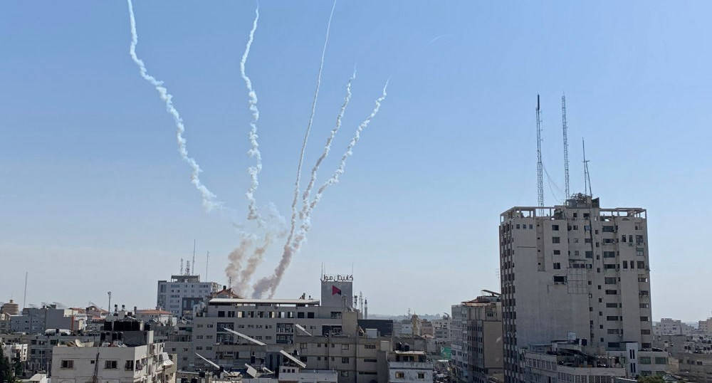 Horas después de entrado en vigor de alto al fuego disparan cinco cohetes desde Gaza hacia territorios ocupados.