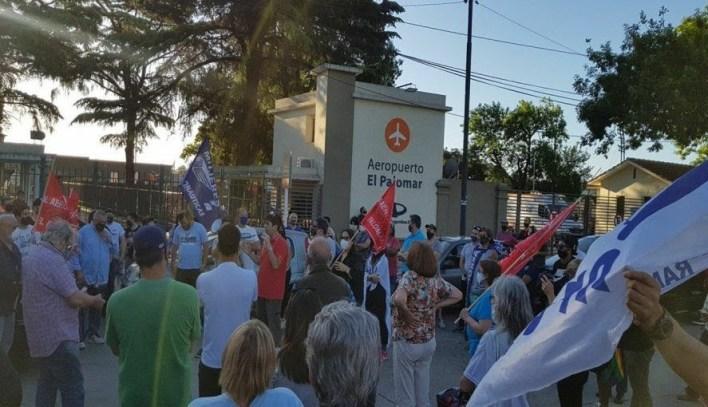 La protesta de los vecinos contra el aeropuerto El Palomar