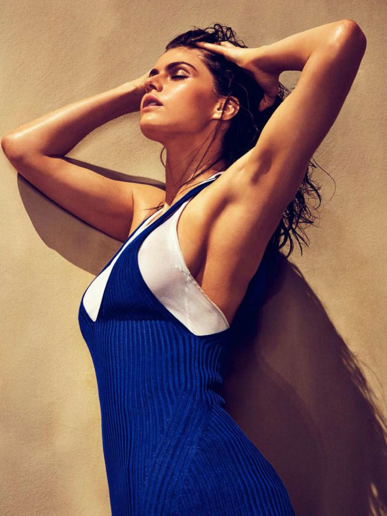 alexandra-daddario-july-august-2017-06