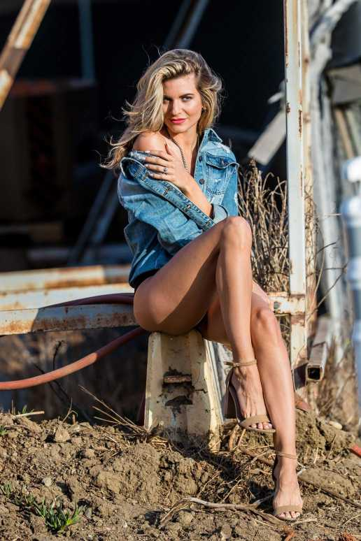 Rachel-McCord-in-STS-Blue-Photoshoot-8