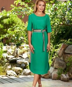 Rochie verde de zi midi cu un croi drept cu decolteu rotunjit cu maneci scurte si dungi laterale