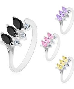 Bijuterii eshop - Inel cu brate ingusta si îndoite, trei zirconii colorate în forma de bob, zirconii transparente M07.23 - Marime inel: 49, Culoare: Roz