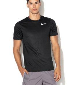 Tricou cu microperforatii realizat cu Dri-fit - pentru alergare