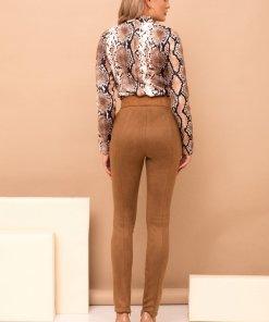 Pantaloni PrettyGirl maro eleganti lungi conici din imitatie de piele cu accesoriu tip curea