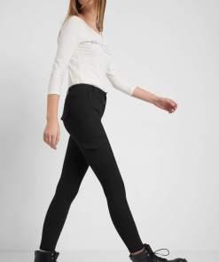 Pantaloni tip cargo Negru