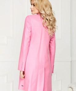 Trench roz deschis elegant scurt din lana cu un croi drept si inchidere cu un nasture