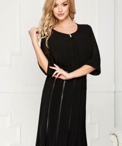 Bluza dama neagra office scurta din voal cu croi larg asimetrica cu accesoriu metalic