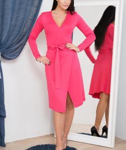 Rochie eleganta, de culoare fuchsia, cu aspect petrecut