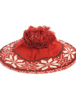 Caciula rosie, print traditional iarna