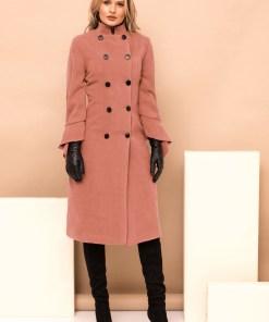 Palton PrettyGirl roz prafuit lung de ocazie cu un croi drept pe gat accesorizat cu nasturi