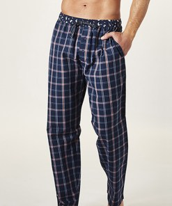 Pantalon de pijama barbatesc, model caroiat