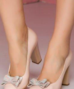 Pantofi nude din piele cu fundita pe varf cu frunze imprimate