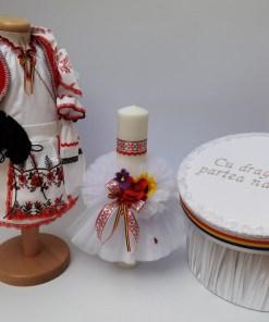 Set Traditional Botez - Costumas fetita Cutie pentru trusou Lumanare 3