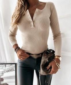 Bluza dama basic crem reiata cu decolteu cu nasturi