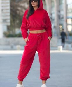 Trening dama rosu din catifea cu hanorac scurt cu gluga si pantaloni lungi tip jogger