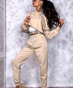 Trening dama casual ieftin crem compus din pantaloni lungi cu elastic si buzunare si hanorac scurt Love
