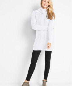 Rochie tricotată cu guler rulat și buzunare - alb