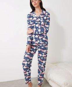 Pijama cu imprimeu si buzunar pe piept 3312479