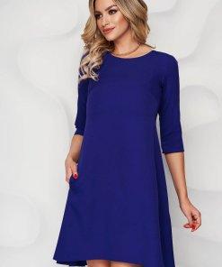 Rochie albastra cu croi in a din stofa usor elastica si decolteu rotunjit