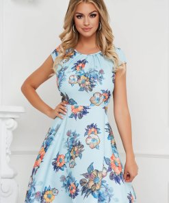 Rochie albastru-deschis eleganta scurta in clos din material vaporos cu maneci scurte
