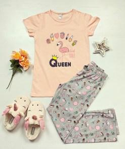 Pijama dama bumbac primavara-vara cu pantaloni lungi gri si tricou roz cu imprimeu Queen Flamingo