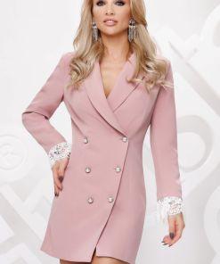 Rochie sacou Artista de culoare roz-prafuit prevazuta cu nasturi tip perla si dantela alba