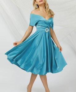 Rochie PrettyGirl albastru-deschis in clos midi din satin cu un cordon care se leaga la spate