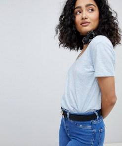 New Look - T-Shirt mit V-Ausschnitt aus biologischer Baumwolle - Blau