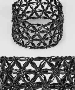 Schwarzes Stretch-Armband mit Blumenperlen YC