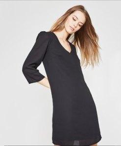 Kleid im minimalistischen Stil