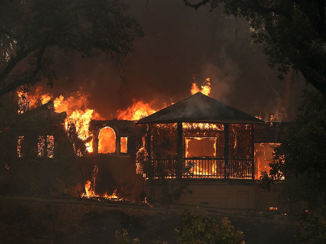 Kết quả hình ảnh cho California Declares State Of Emergency Following Largest Wildfire Recorded