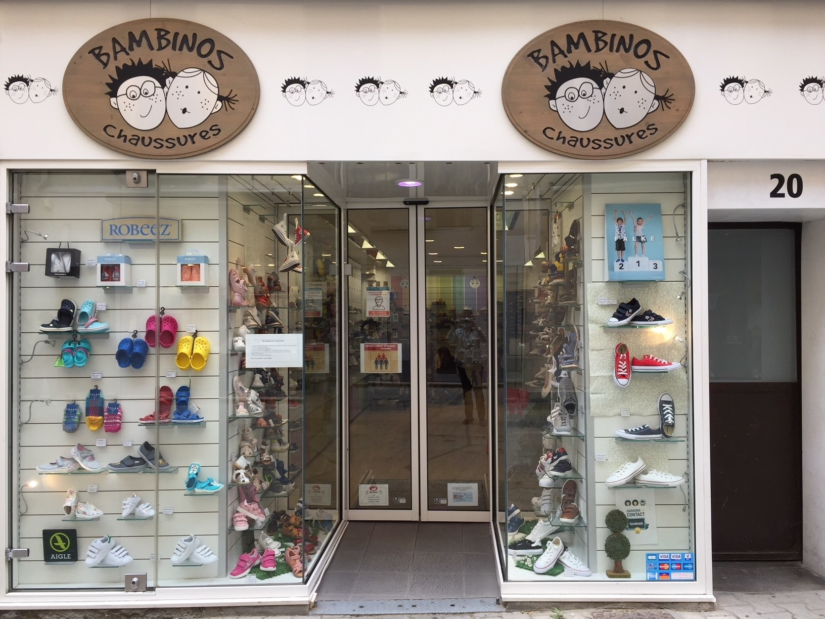 chaussures chaussons bottes chaussettes