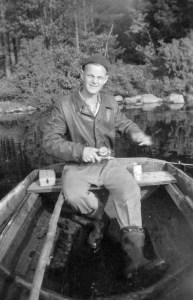 Pappa fiskar på Försjön någon gång på 50-talet