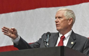 Mo Brooks sticks to plan, opposes GOP health care plan