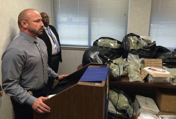 North Alabama cop on desk duty following weekend arrest in ...