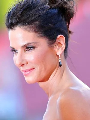 Two Sexy Messy Bun Tricks To Steal From Sandra Bullock