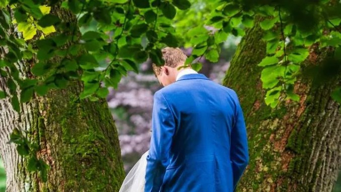 Couple's Blow-Job-Themed Wedding Photo Is Going Viral | Allure