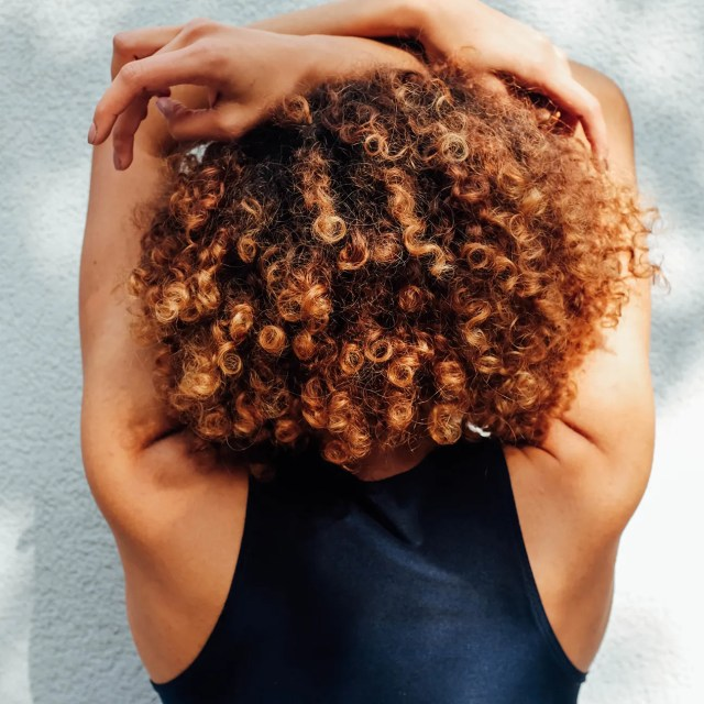 curly hair types chart: how to find your curl pattern | allure
