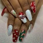 49 Festive Christmas Nail Art Ideas 2020 Easy Holiday Nail Designs Allure
