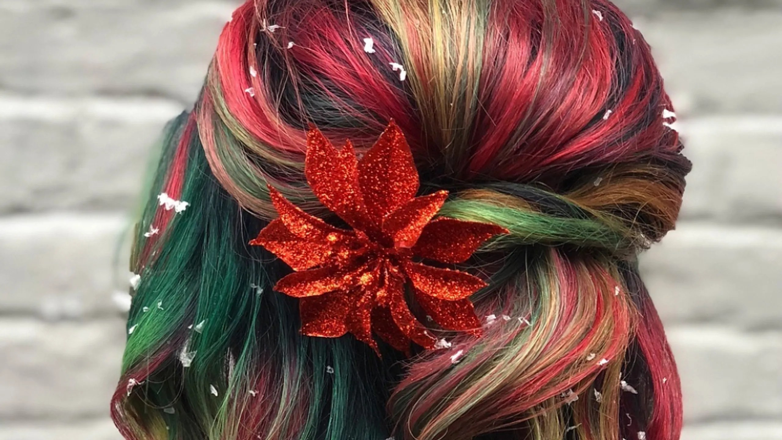 Christmas Hair Color With Red And Green Highlights Is