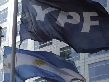 Las acciones de YPF fueron expropiadas en 2012 y desde entonces el Estado argentino tiene mayoría en la compañía.