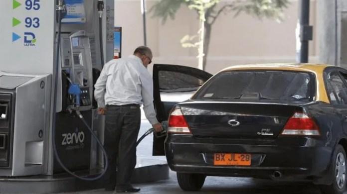 <p>El autoservicio de combustibles es una realidad desde hace años en otros países del mundo y en breve se espera que el Gobierno nacional lo autorice en la Argentina. El sindicato de Carlos Acuña ya puso reparos. </p>