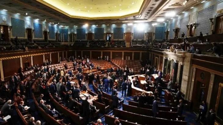 El Capitolio de Estados Unidos fue cerrado de emergencia.