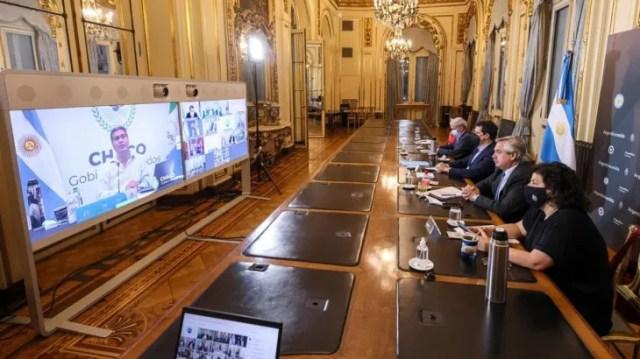 El Gobierno mantuvo un encuentro con gobernadores para definir las nuevas medidas sanitarias.