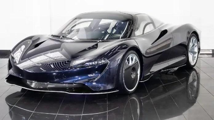 El McLaren Speedtail es el nuevo intento de la marca de mejorar su emblemático buque insignia, basándose en la fórmula probada de artesanía hecha a mano, materiales de alta tecnología y diseño aerodinámico. Esta máquina recorre de 0 a 299 km/h en apenas 12,8 segundos.