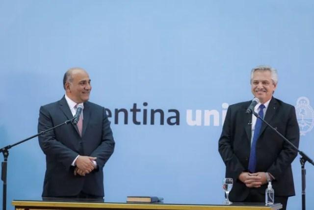El presidente Alberto Fernández tomó juramento a Juan Manzur.