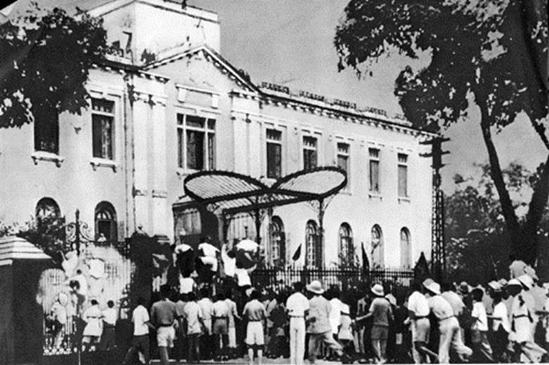https://i1.wp.com/media.angiang.gov.vn/pictures/2014/08/20/qcnhdbieutinhchienkhsai1945.png